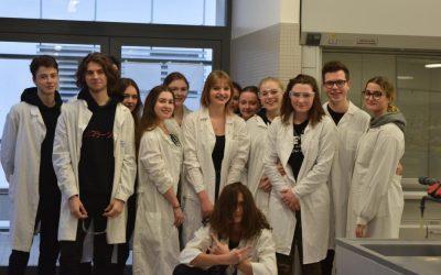Zajęcia laboratoryjne na Wydziale Chemii UAM