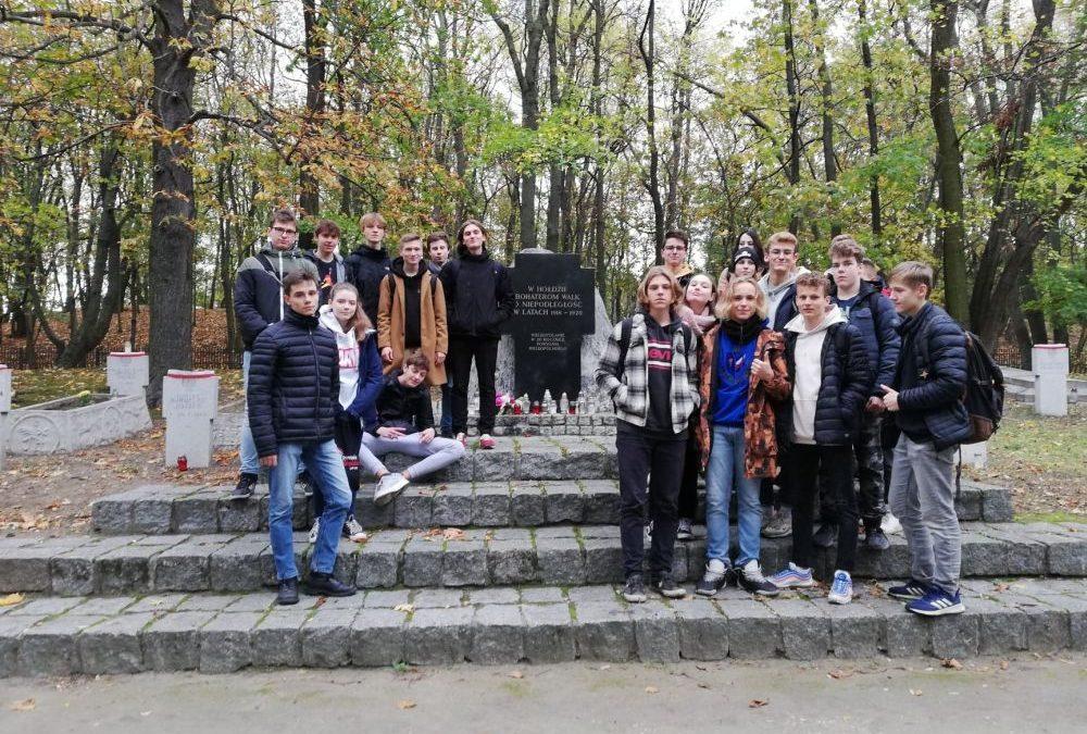 Akcja sprzątania grobów powstańczych na Cytadeli
