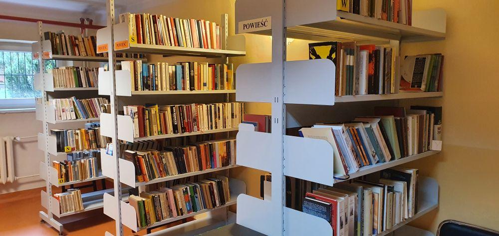 Październik miesiącem bibliotek szkolnych